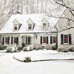 LOVE this white painted brick home White Christmas