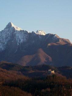 Il Castello dell'Aquila a Gragnola by LUNIGIANA- Associazione Op. Turistici Lunigianesi, via Flickr