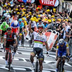 Peter Sagan wins Stage 3 TDF2017 Image @jstartt
