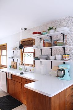 Before & After: This Kitchen Got a $200 Makeover and Now It's Amazing — Kitchen Makeovers