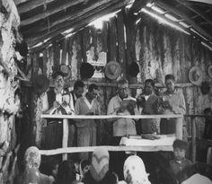 Grete Stern. Culto evangélico. Inmediaciones de Napalpí, Chaco, 1964. Col. Matteo Goretti.