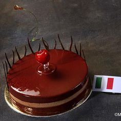 Italy's stunning chocolate desset from the 2009 Pastry World Cup. Photo by  Michel Godet