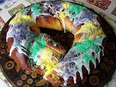 most awesome king cake recipe.  going to make this with the kids this year.