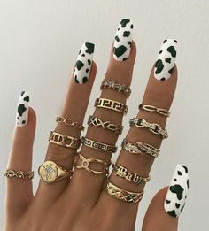 The online destination for bohemian jewellery Danty Jewelry, Dainty Gold Jewelry, Dainty Necklace, Simple Jewelry, Simple Necklace, Tiger Nails, Cow Nails, Disney Acrylic Nails, Best Acrylic Nails