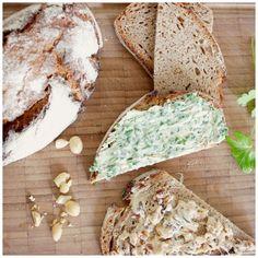 Butterstulle geht nicht mehr? schnell und lecker: Ein Upgrade für die Margarine. mit Kräutern oder Datteln-Erdnüssen-Zimt (vegan, vegetarisch, laktosefrei, milchfrei, gesund, schnell, lecker)