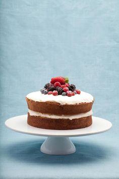 Victoria Sponge Cake - Bea's of Bloomsbury