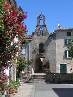 Camon, un des Plus Beaux Villages de France. Nous voici au cœur d'une vallée ariégeoise. Situé en Ariège, Camon est un charmant village fortifié autour d'une abbaye.   Camon ©Facebook Camon un des plus beaux villages de France en Ariege Pyrenees