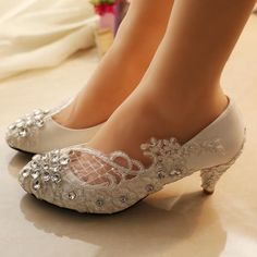 Handmade Middle Heels Pointed Toe Lace Crystal Wedding Bridal Shoes 651c5a93d24a
