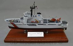 US Coast Guard Medium Endurance Cutter Valiant – Replica Model Coast Gaurd, Us Coast Guard, Scale Model Ships, Scale Models, Coast Guard Cutter, Utility Boat, Model Maker, Motor Yacht, Boats