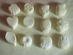 SILICONE MOULDS FROM BATH-BOMB.COM