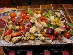 Raclette Recipes, Raclette Party, Grilling Recipes, Table Top Grill, Red Peppers, Coriander, Grilled Chicken, Cobb Salad, Granite