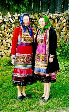 FolkCostume&Embroidery: Overview of the Folk Costumes of Europe, Ural Mari