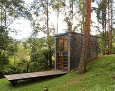 modern cabin with stone exterior Architecture Durable, House Architecture, Sustainable Architecture, Architecture Wallpaper, Amazing Architecture, Casas Containers, Micro House, Cabins And Cottages, Little Houses