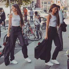 いいね!6,703件、コメント12件 ― L U X U M E® 🇬🇷さん(@luxu_me)のInstagramアカウント: 「Z 💞💞 . . . . . . . ..#fashion #model #dress #sweet #clothes #dior #fashionblogger #body #family…」