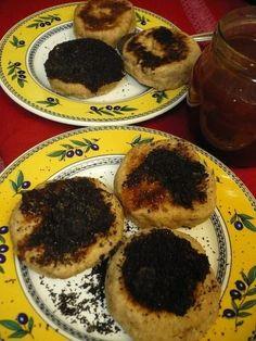 Makovo-slivkový béleš • recept • bonvivani.sk Ale, Muffin, Breakfast, Food, Basket, Morning Coffee, Ales, Muffins, Meals