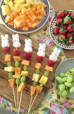 A cute and easy Easter treat - fruit skewers topped wit ha Bunny Peep Easter Snacks, Easter Treats, Easter Recipes, Easter Party, Fruits For Kids, Fun Snacks For Kids, Kid Snacks, Skewer Recipes, Fruit Recipes