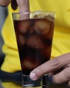 Drink de rolê! Quem tá com com saudades de ver por aqui?  Esse usamos catuaba.  #bebidaliberada #catuaba #drink #drinks #coquetel #drinkderole #bartender #role