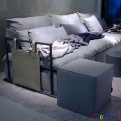 imoderni llc Tel: (305) 865-8577 info@imoderni.com Modern Sectional, Sectional Sofas, Apartments, Modern Furniture, Couch, Home Decor, Settee, Decoration Home, Room Decor