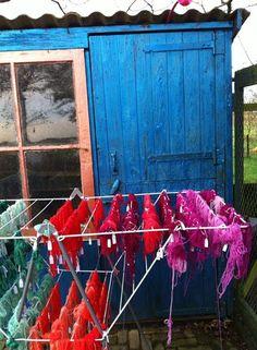 Wol verven in prachtige kleuren: komend voorjaar bij Blij van draad! Workshop van een dag: 60 kleuren mee naar huis en een hoofd vol inspiratie