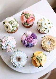 Ngỡ ngàng với những kiệt tác bánh gato trang trí bằng hoa kem bơ