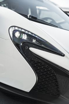 McLaren 650S Coupe 2014, Headlamp Detail. More Images & Info On The Following Link: https://www.carspecwall.com/mclaren/super-series/650s-coupe-2014/