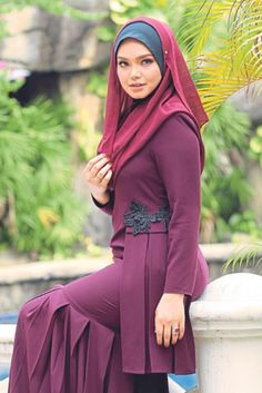 Hijabi Kebaya Hijab, Kebaya Dress, Kebaya Muslim, Beautiful Hijab, Beautiful Asian Girls, Modest Fashion, Hijab Fashion, Siti Nurhaliza, Hijab Style