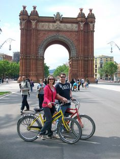 Homebody Adventures Barcelona Spain #athomewiththebarkers