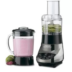 """Two powerful kitchen appliances have been brought together in this blender/food processor by Cuisinart. The heavy-duty motor base is up to both blending and processing tasks, and won't """"walk"""" on the counter, even when it's crushing ice. Glass Blender, Vitamix Blender, Hand Blender, Cuisinart Food Processor, Blender Food Processor, Food Processor Recipes, Professional Blender, Hot Soup, Frozen Drinks"""