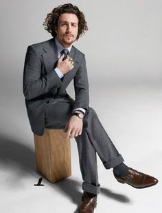Aaron Taylor-Johnson wears BLS (Shoes )