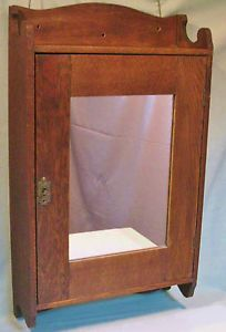 ANTIQUE OAK WALL MOUNT MEDICINE CABINET MIRROR GLASS SHELVES