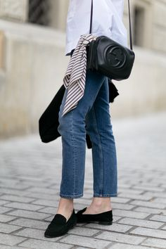 Hexeline shirt / Topshop denim / H&M shoes (similar here and here) / Totême scarf / Gucci bag / Oroton watch Minimalist Street Style, Minimalist Bag, Minimalist Fashion, Minimalist Outfits, Simple Outfits, Casual Outfits, Fashion Outfits, Style Fashion, Basic Style