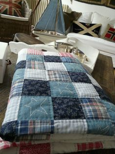 patchwork -- mens shirts with hand quilting :) Man Quilt, Boy Quilts, Quilt For Men, Quilt Baby, Quilting Projects, Quilting Designs, Quilting Ideas, Blue Jean Quilts, Plaid Quilt