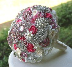 Pink brooch wedding bridal bouquet. amazing idea! so cool!