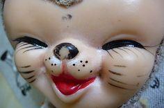 Jemina Staalon matkaploki 2015: Laatikkokamerasta kitta kurkkii Cat Toys, Carnival, Halloween Face Makeup, Painting, Painting Art, Paintings, Carnival Holiday, Drawings