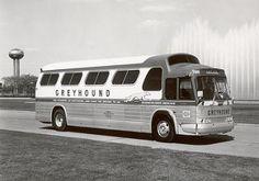 Volkswagen Bus, Volkswagen Beetles, Vw Camper, Campers, Bus City, Day Van, New Bus, Detroit Diesel, Buses And Trains