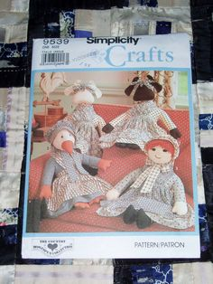 Cute Vintage 1989 Simplicity Crafts Pattern 9539 for Stuffed Dolls, Country Decor