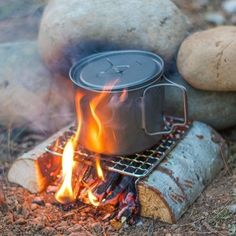 The Original Bushcraft Grill Mini - Welded Stainless Steel High Strength Mesh (Campfire Rated) - Expedition Research LLC, USA Bushcraft Camping, Bushcraft Pack, Bushcraft Skills, Survival Food, Camping Survival, Survival Tips, Survival Skills, Camping Gear, Camping Grill
