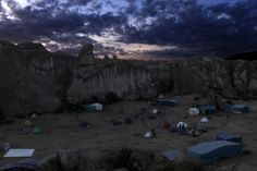 La cabaña del bosque de piedra Marcahuasi que conduce a una dimensión paralela. | 9 Historias que te harán cuestionar si realmente existen universos paralelos