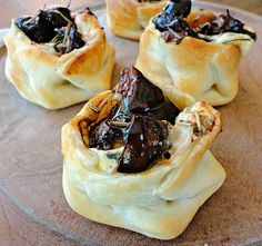 ... balsamic roasted fig and blue cheese puff pastry bites/bonheurcuisine