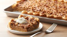PUMPKIN PECAN Slab PIE * feeds about 16 people ~ premade pie crusts * EASY ** Two of your favorite Thanksgiving pies, combined in one pie and ready for a crowd. Pumpkin Dessert, Pie Dessert, Pumpkin Recipes, Pie Recipes, Copycat Recipes, Kraft Recipes, Casserole Recipes, Hamburger Casserole, Baked Pumpkin