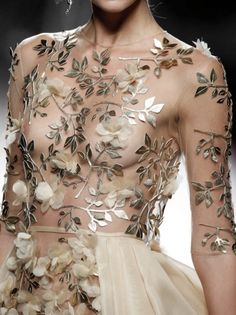 Details Esther Noriega S/S 2017 Mercedes-Benz Fashion Week Madrid Style Haute Couture, Couture Details, Fashion Details, Couture Fashion, Runway Fashion, High Fashion, Fashion Show, Fashion Design, Net Fashion