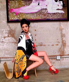 Japanese inspired hand painted silk scarf. .  #wearableart#handpaintedsilk#silkart#dreamluxe#hechoamano##handcrafted #artisan#oneofakindfashion#batikscarf #silk #seta #soie #seda #실크 #シルク #絹#seide #silke #шелк  #silkscarf #silkscarves #scarves #sciarpa #sciapre#echarpe #écharpe #bufanda#bufandas