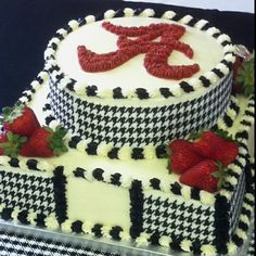 Alabama grooms cake, Chris is going to have a cake similar to this! Alabama Grooms Cake, Alabama Cakes, Pretty Cakes, Beautiful Cakes, Amazing Cakes, Cupcake Cookies, Cupcakes, Roll Tide, Creative Cakes