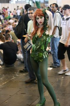 Poison Ivy, getting inspirations for my home made costume. Posion Ivy Costume, Poison Ivy Costume Diy, Poison Ivy Cosplay, Diy Costumes, Costumes For Women, Cosplay Costumes, Costume Ideas, Cosplay Ideas, Halloween Cosplay