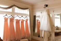 Brides dress and bridesmaid dresses, before wedding photograph. Trendy Wedding, Perfect Wedding, Dream Wedding, Wedding Day, Wedding Poses, Wedding Shoot, Wedding Photography Inspiration, Wedding Inspiration, Style Inspiration