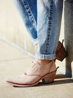 Dusty rose boots never looked so stylish Western Shoes, Western Boot, Fall  Shoes, 4fae396126ef