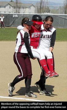 Rules: runner has to circle the base and canu2019t be assisted by teammates. Westu2019s runner torn knee rounding first and couldnu2019t proceed. If she did not circle the bases the run didnu2019t count. Central ask if they could carry her and nothing in the rules about opposing team helping so umpires said ok. Two Central players carry her around the base allowing her to touch all bases. After the game the Central players said she earned it and had no regrets. Faith in humanity restored. Softball Memes, Girls Softball, Fastpitch Softball, Softball Players, Softball Stuff, Softball Things, Softball Problems, Softball Cheers, Softball Photos