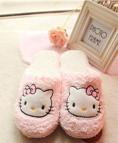 3f820a434 New fashion hello kitty home slippers pattern shoes women's cute indoor slippers  super warm soft winter house shoes plush shoes