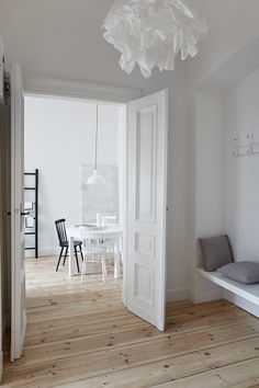 INTERIOR DESIGNER & STYLIST: Agnieszka Suchora / PHOTOGRAPHY & POSTPRODUCTION: Jola Skóra // lamp above a table: Reflex Maxi, proj. T. A. Rudkiewicz / TAR / table: IKEA / chairs: TON / ceiling lamp: IKEA / ladder and coat rack: A&A dwieagnieszki / pillows: NAP