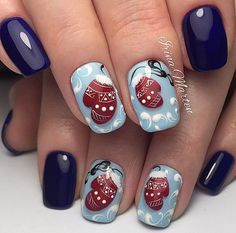 9 Stunning Nail Art Looks That Are Perfect for New Year's and Christmas Eve